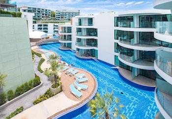 תמונה של LetsPhuket Twin Sands Resort & Spa בפטונג
