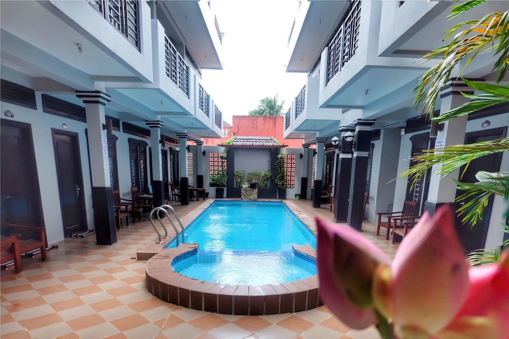 Vibola Guesthouse Kampot Outdoor Pool