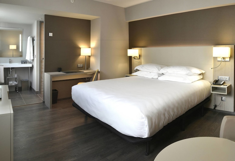 AC Hotel by Marriott Marseille Prado Velodrome, Marseille, Executive Room, 1 King Bed, Non Smoking, View, Guest Room