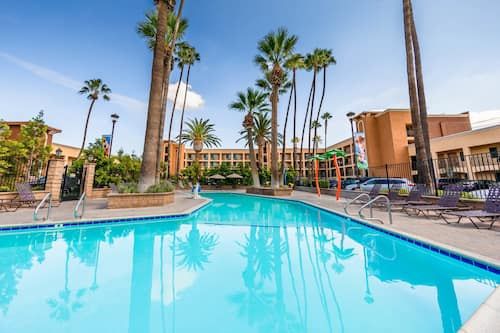 Grand Legacy At The Park In Anaheim Hotels Com