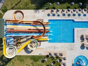 莫納斯提爾圖伊魔法生活斯坎內斯家庭酒店的圖片