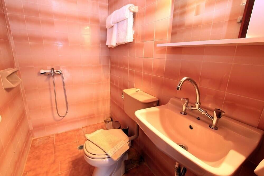 Standard Room (Attic) - Bathroom