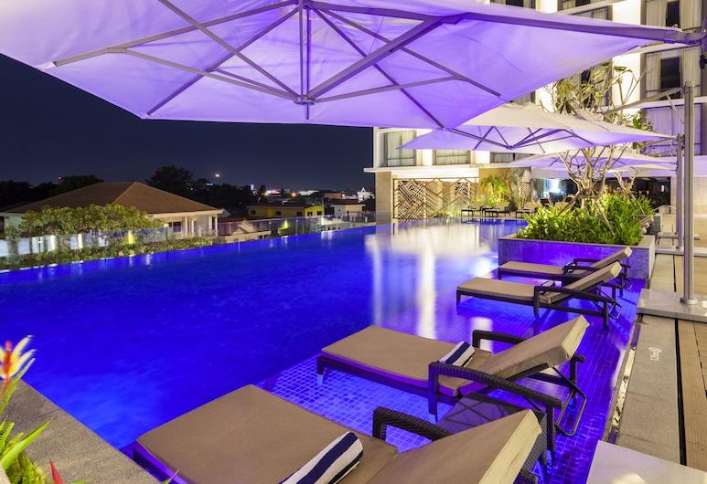 Crowne Plaza Vientiane, Vientiane, Infinity Pool