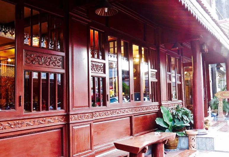 Khampiane Boutique Hotel, Vientiane, Interior Entrance