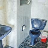 חדר לארבעה - חדר רחצה