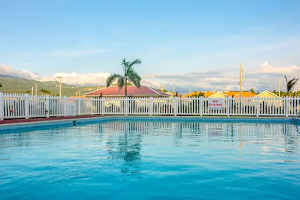 Casa Victoria Golf Retreat