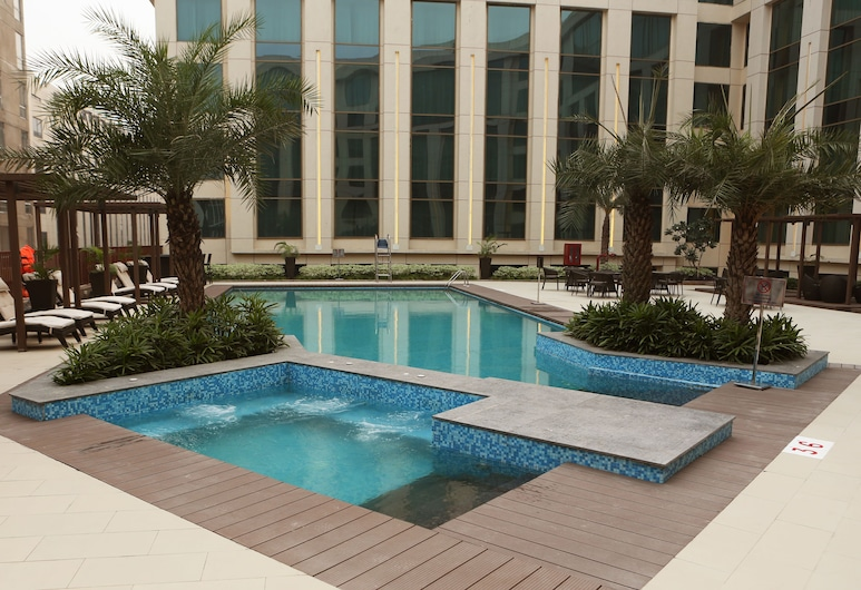 Pride Plaza Hotel Aerocity New Delhi, New Delhi, Outdoor Pool