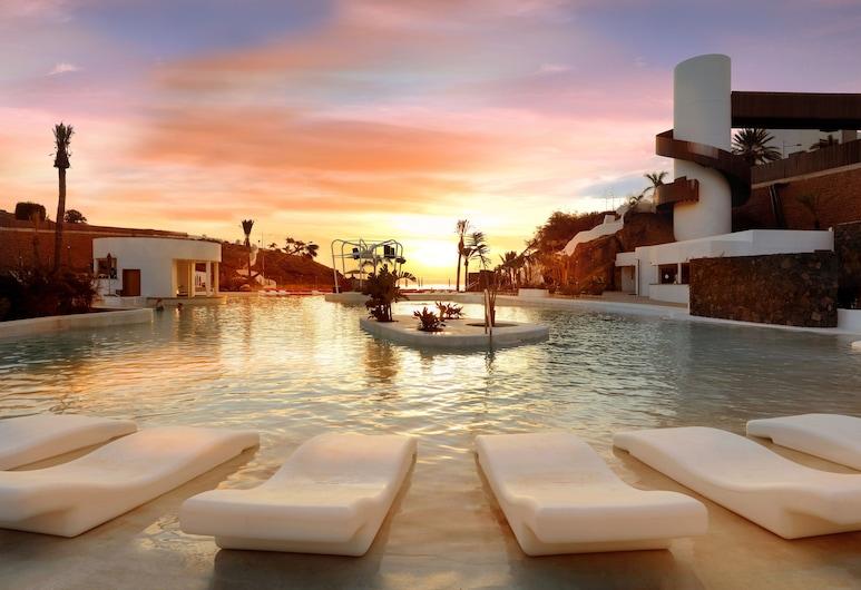 Hard Rock Hotel Tenerife, Адехе, Басейн