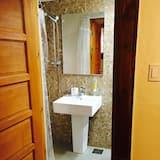 Chambre avec lits jumeaux, salle de bains privée - Salle de bain