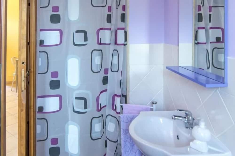 Apartment, 1 Bedroom (2 adults) - Bathroom