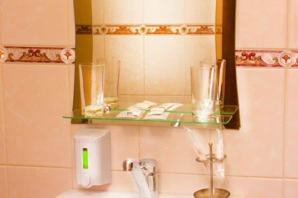 ห้องสวีท, 2 ห้องนอน - อ่างล้างมือ