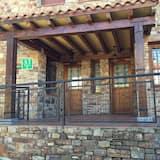 Māja, divas guļamistabas, terase - Terase/iekšējais pagalms