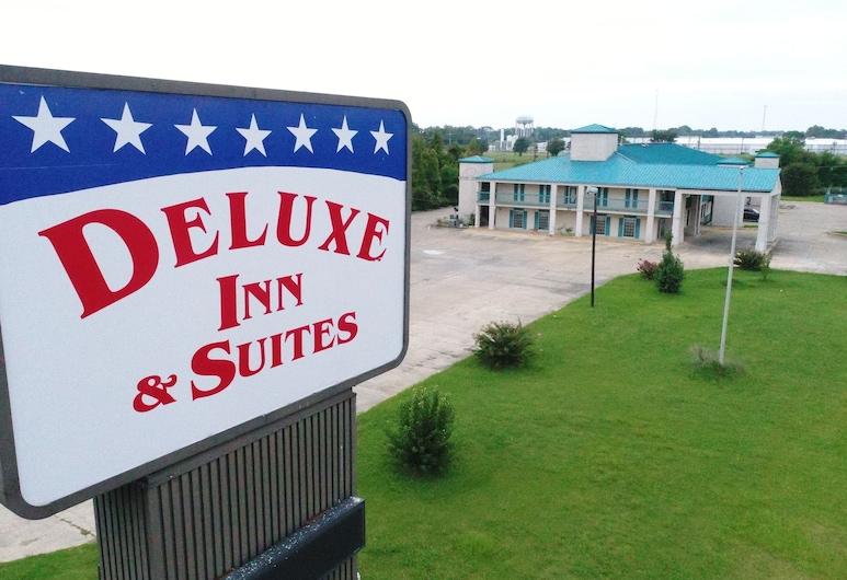 Deluxe Inn & Suites, Greenwood