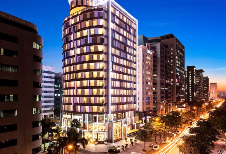 Novotel Suites Hanoi, Hanoi