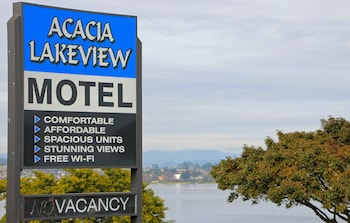 Picture of Acacia Lake View Motel in Taupo