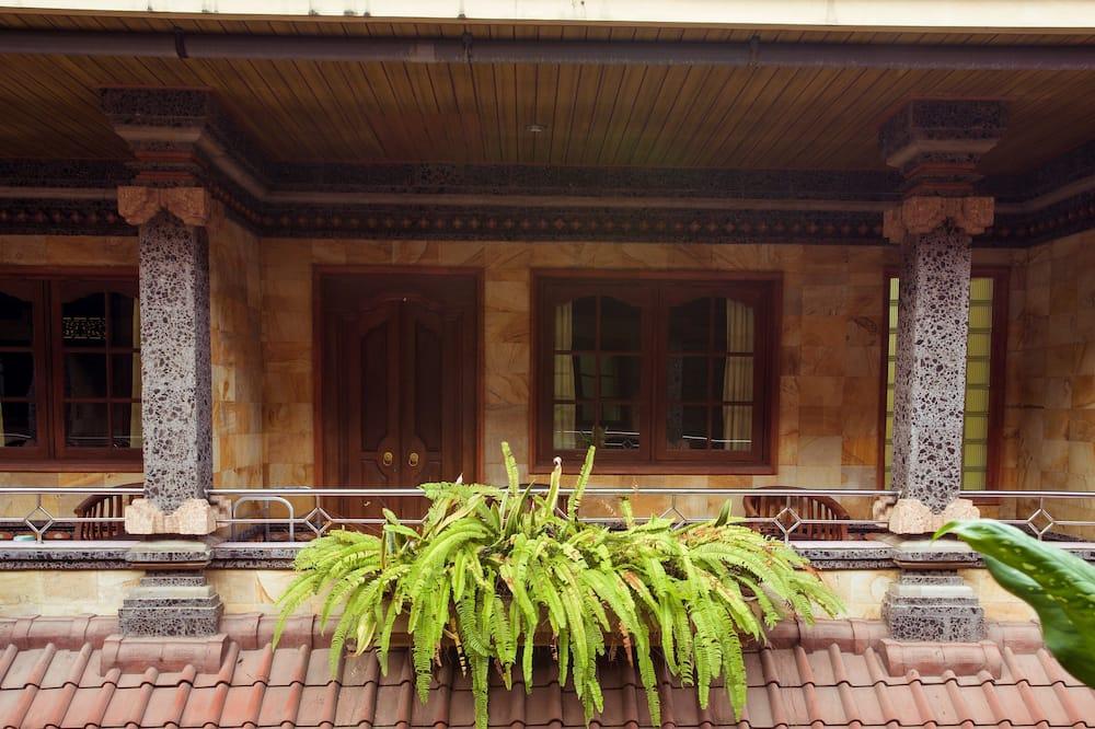 Standard Room - Courtyard View