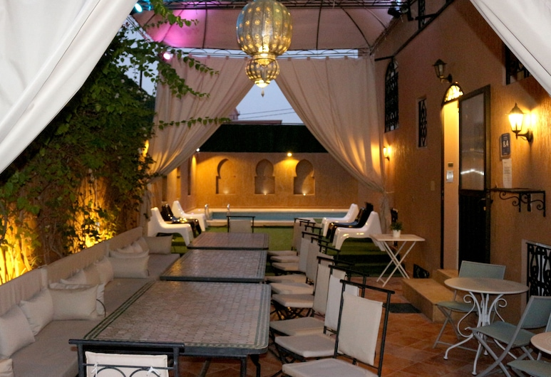 Dar Mezouar, Marrakech, Restauration en terrasse