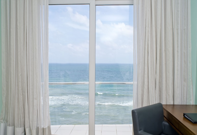 Ocean Edge Suites & Hotel Colombo, Colombo, View from property