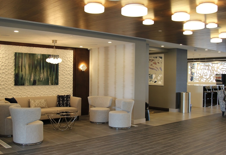 Wingate by Wyndham Airdrie, Airdrie, Sala de estar en el lobby