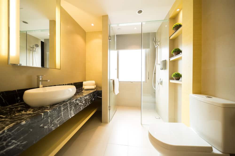 プレミア スイート (2 Double OR 1 Twin and 1 Double Bed) - バスルーム