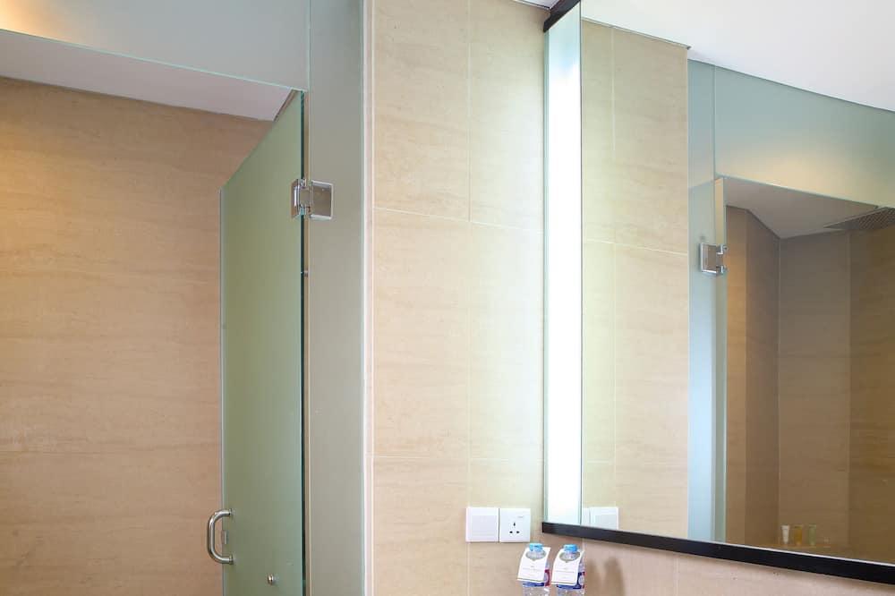 Executive Suite Room, 1 King bed - Bathroom