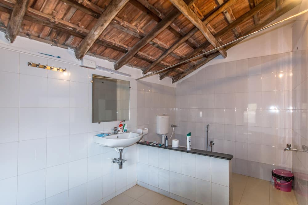 Gemeinsamer Premium-Schlafsaal (8 Bunk Beds) - Badezimmer
