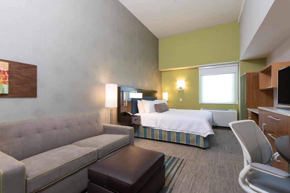 Studio Suite, 1 King Bed with Sofa bed, Non Smoking - Room