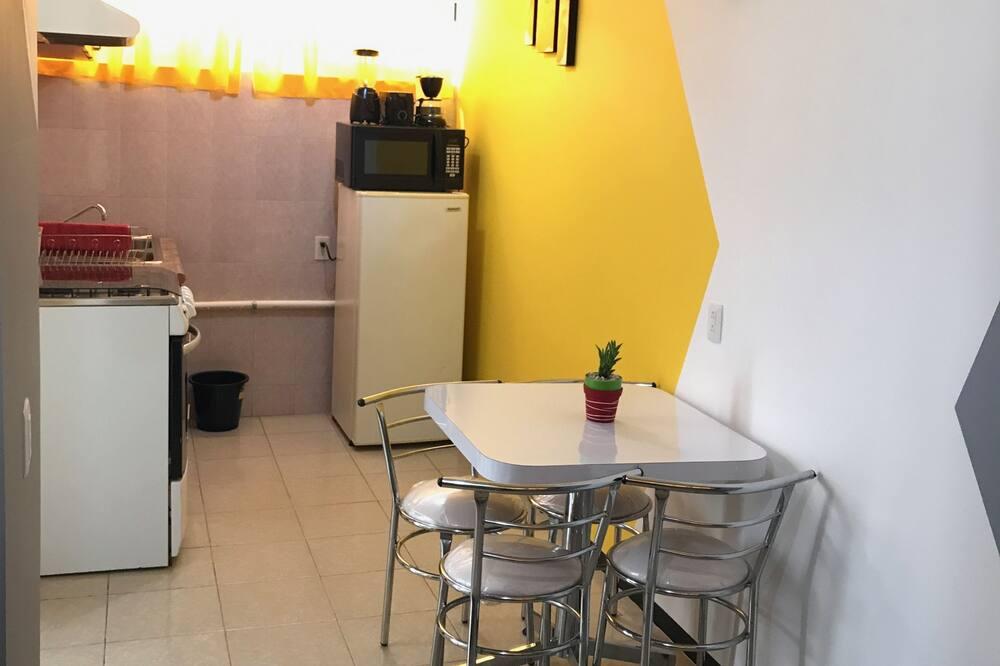 Suite monolocale Deluxe, angolo cottura, Edificio separato - Soggiorno