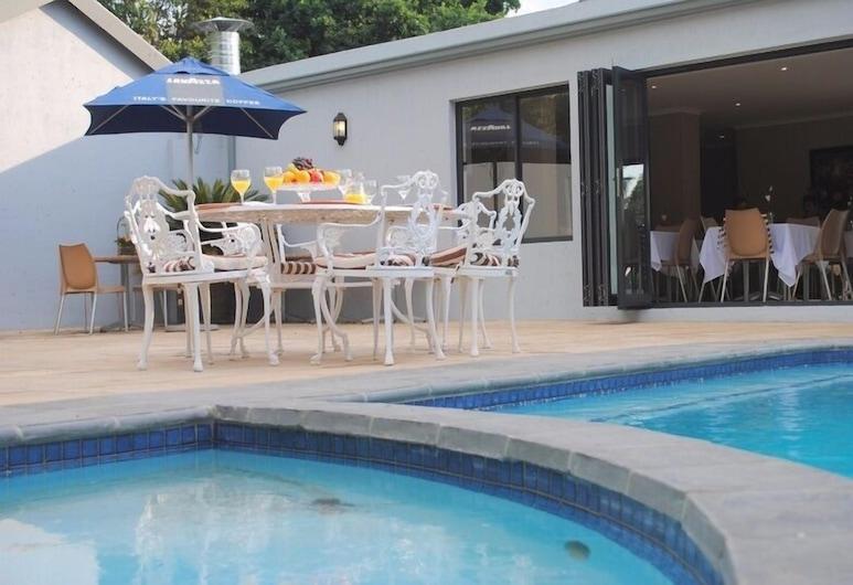 6 on Morris Guest Lodge, Sandton, Vonkajší bazén