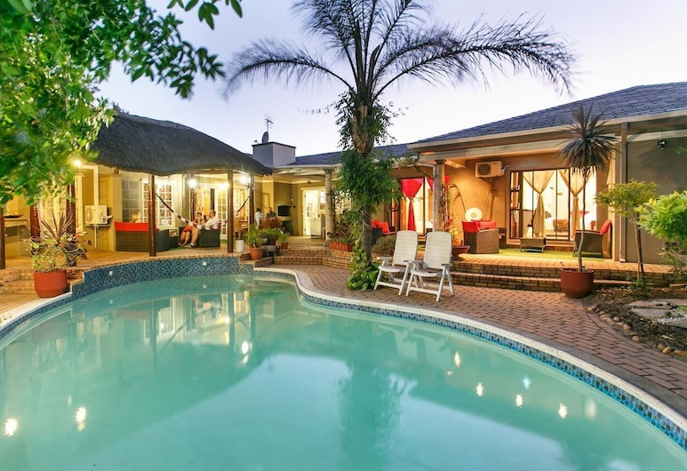 Sun Bell Lodge, Cape Town, Pool