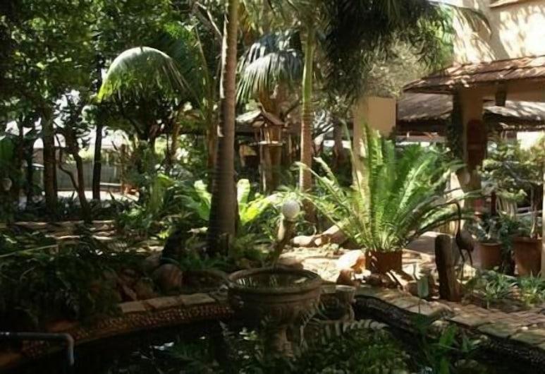 Colbyn Guest Lodge, Pretoria, Garden