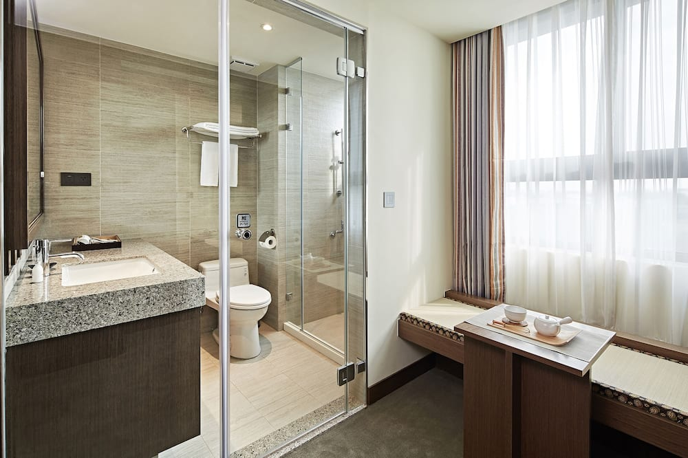 Double Room, 1 King Bed (Japanese Double) - Bathroom