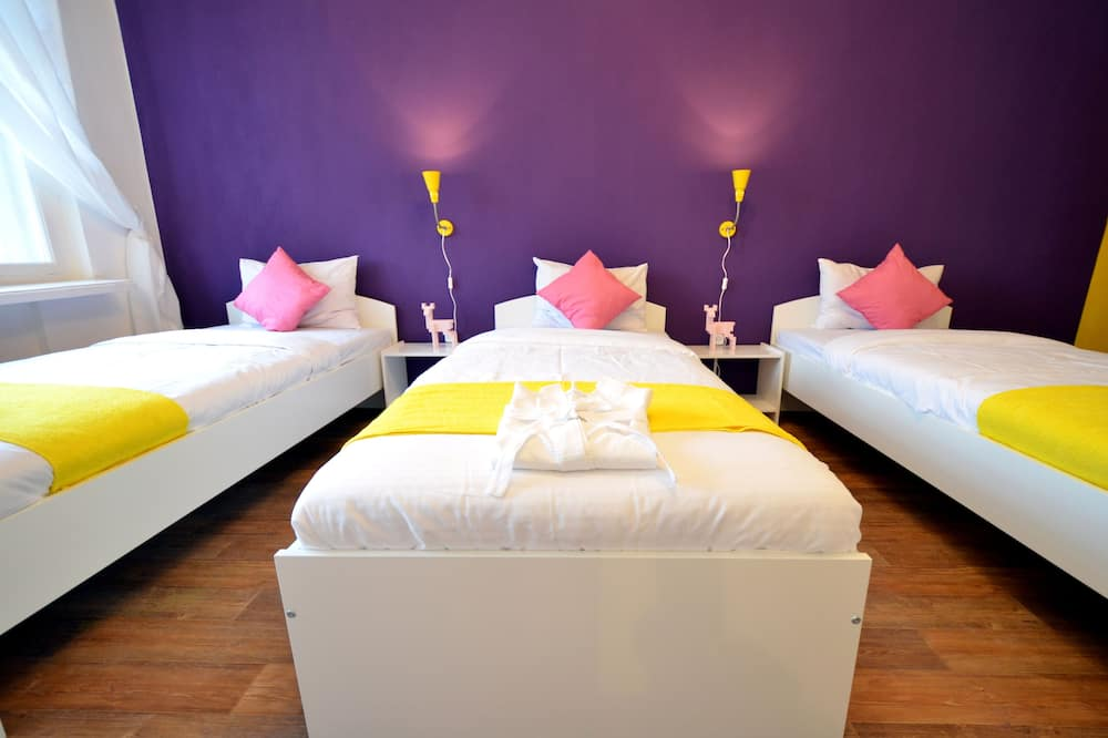 Standard Shared Dormitory, Women only - Guest Room