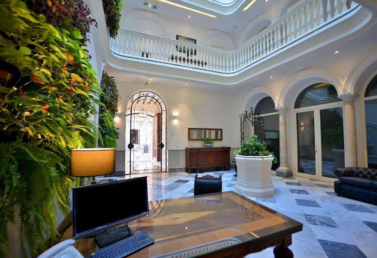 El Armador Casa Palacio, Cadiz, Reception
