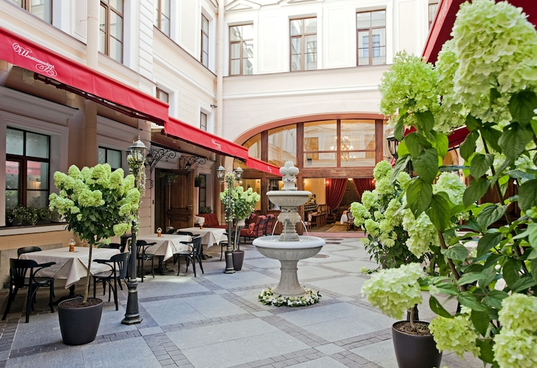 Ekaterina Hotel, Sankt Petersburg, Terrasse/Patio