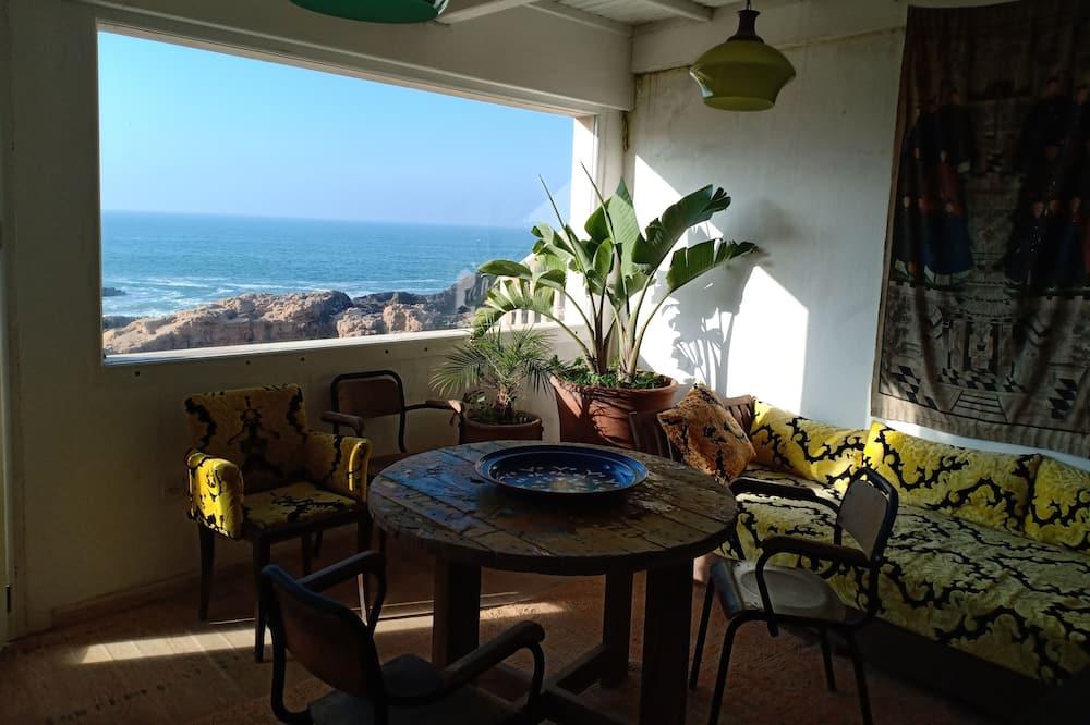 House, 5 Bedrooms, Ocean View - Living Area