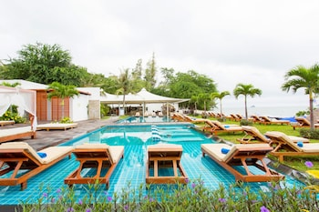Foto van Sanae Beach Club in Hua Hin