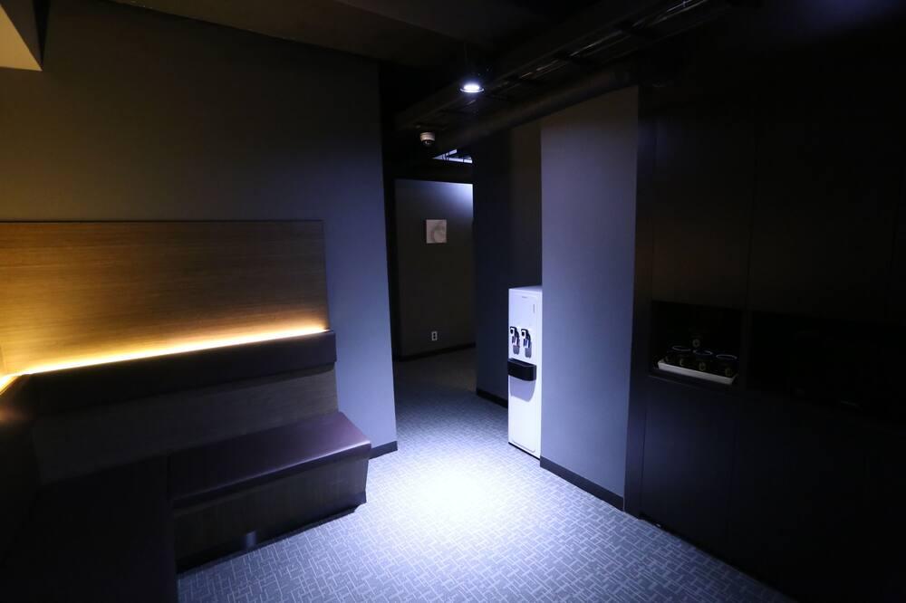 Загальне спальне приміщення, тільки для жінок (6-Bed) - Спільна кухня