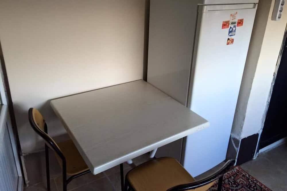 Familienapartment, 1 Schlafzimmer - Essbereich im Zimmer