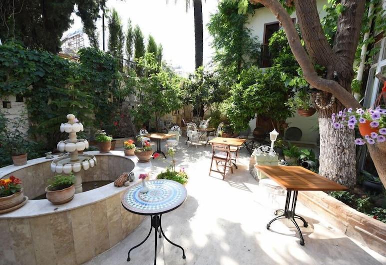 Sibel Pansiyon, Antalya, Otel Sahası