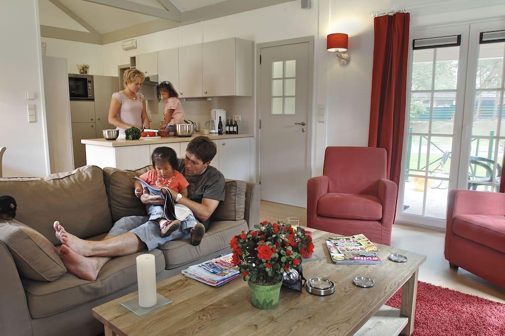 Comfort Bungalow, 2 Bedrooms - Living Area
