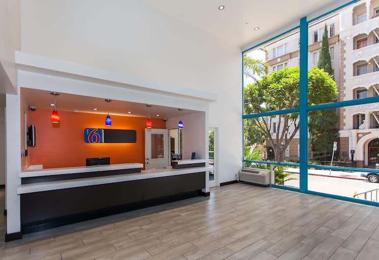 Motel 6 Hollywood, Los Angeles, Reception