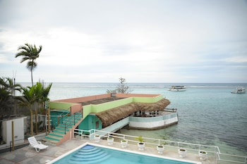 Choose This Beach Hotel in Ocho Rios -  - Online Room Reservations