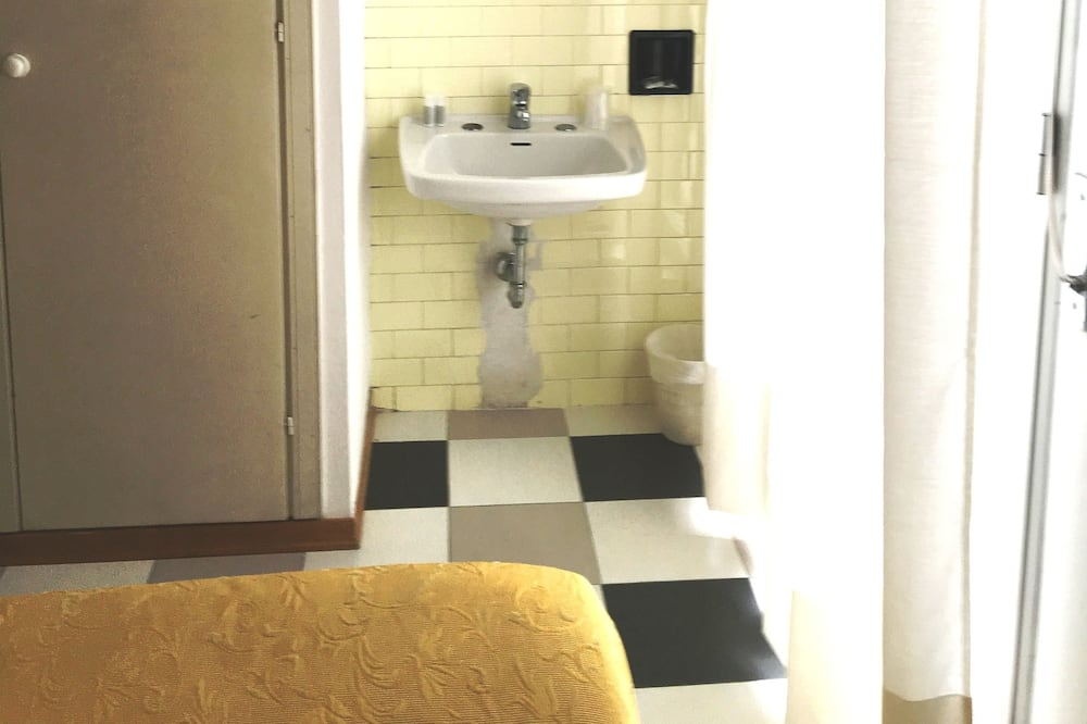 Economy Double Room, Private External Bathroom - Children's Theme Room