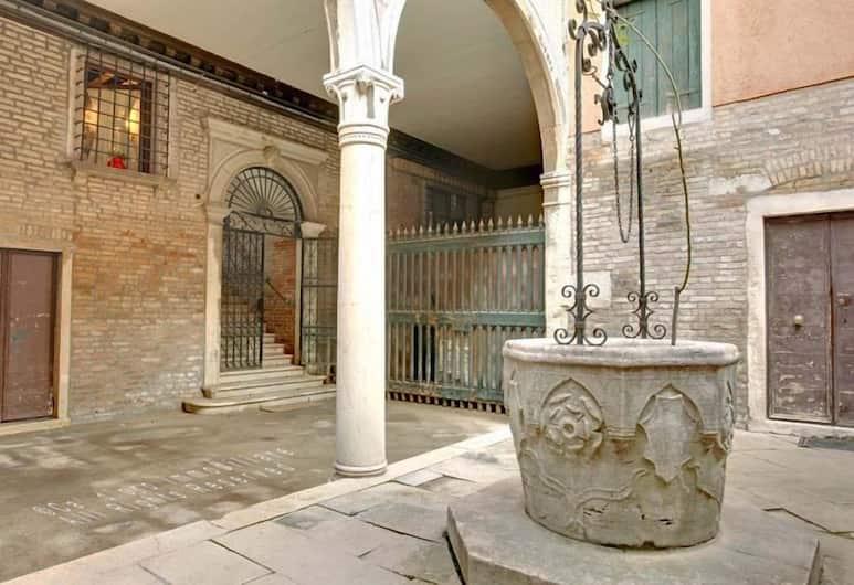 Grimaldi Apartments – Scrigno, Venice, Apartment, 2 Bedrooms, Terrace (Calle Tornelli 2370), Room