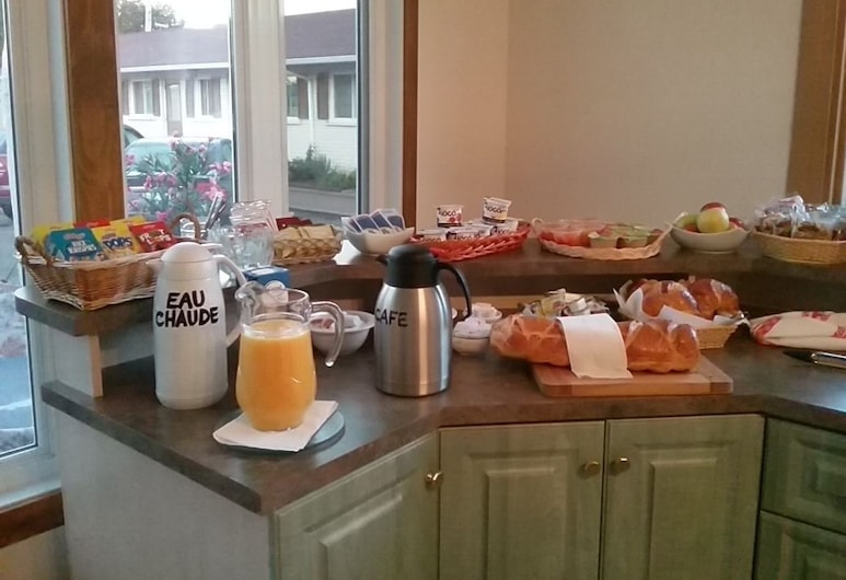 Motel le Marquis, Trois-Rivieres, Breakfast Area