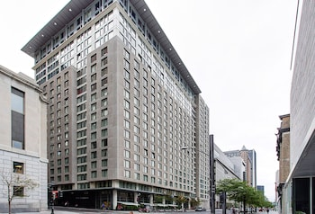 Picture of Les Etoiles Apartments by CorporateStays in Montreal
