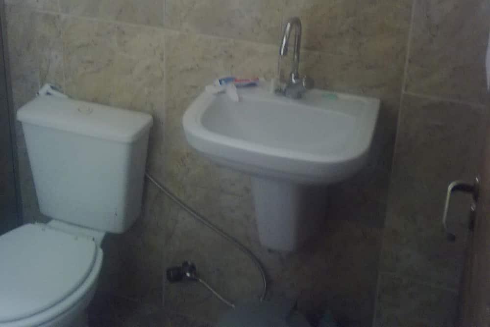 סוויטת סטנדרט - חדר רחצה