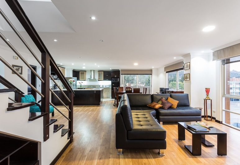 Gaviota Apartments & Suites, Cuenca, Dúplex Premier, 3 habitaciones, vista a la ciudad, torre, Sala de estar