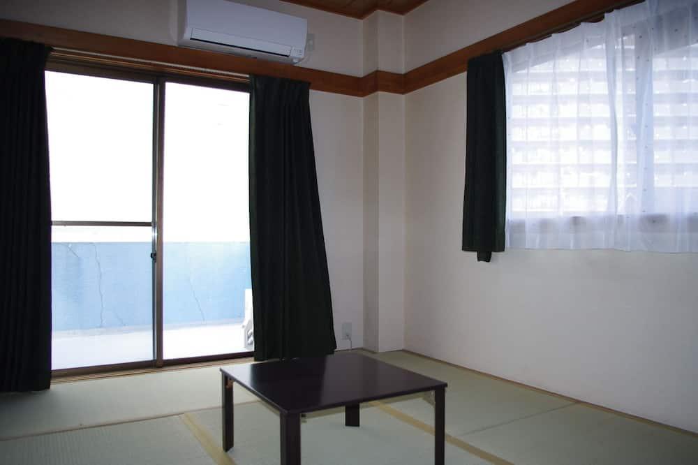 Japanese Tatami Room, 3 Futons - Guest Room
